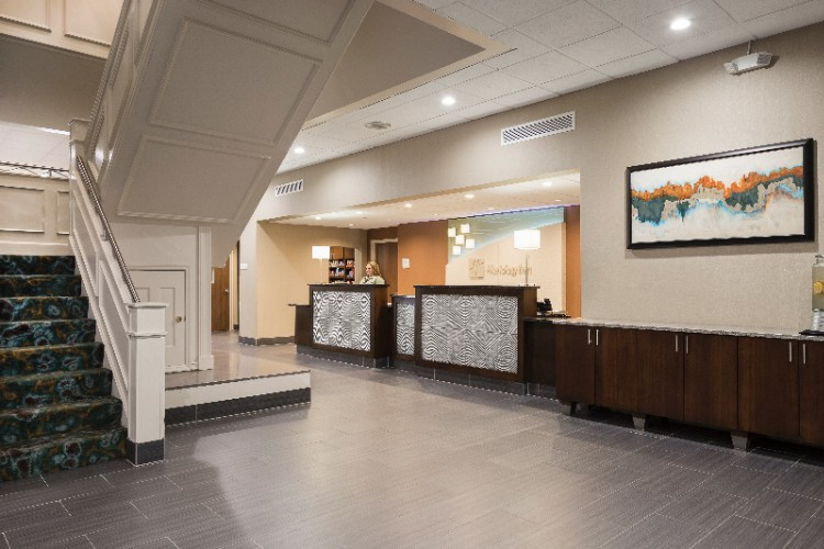 Holiday Inn Rock Island -Quad Cities -Front Desk 10 of 23