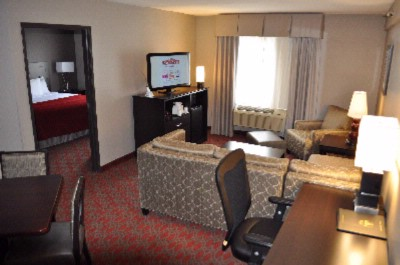 2 Room Suite 15 of 21