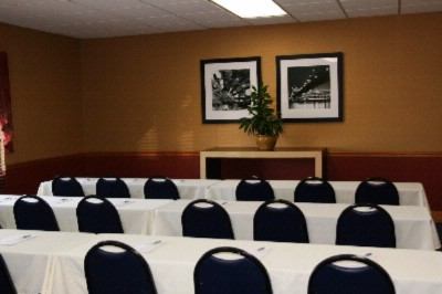 Conference Room 475sq Ft And Can Seat Up To 40 People Theater Style Or 32 People Banquet Style.. 8 of 8