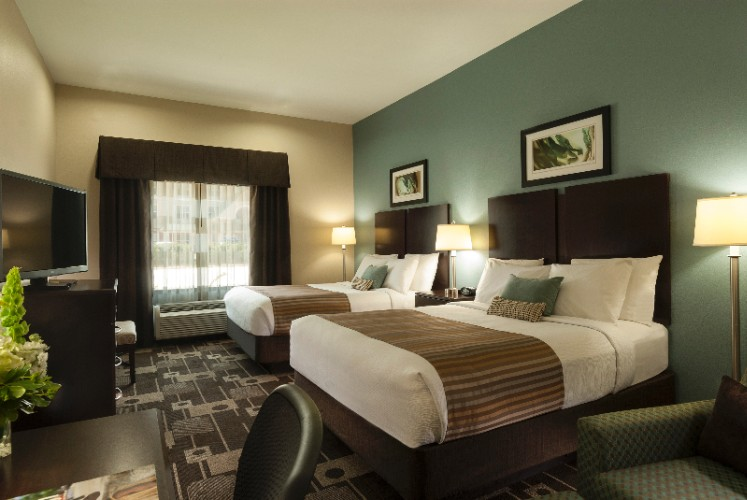 You Can Have A Comfortable Rest With Your Family In Our Two Queen Bed Room. 10 of 10