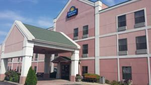 Days Inn Harvey Il 1 of 6