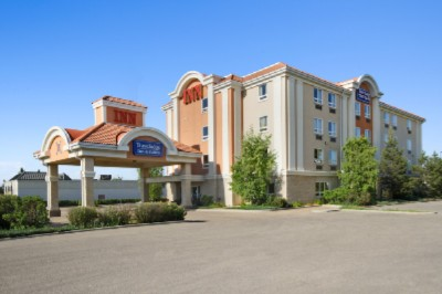 Travelodge Inn & Suites Spruce Grove 1 of 6