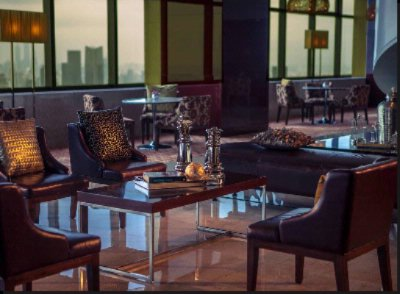 A Superb Dual-Level Club Lounge On The 58th And 59th Floor 4 of 13