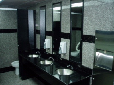 Breakfast/restaurant Washroom 16 of 18