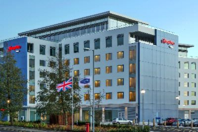 Hampton by Hilton London Luton Airport 1 of 16