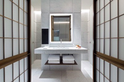 Carrara Marble Bathroom 5 of 20
