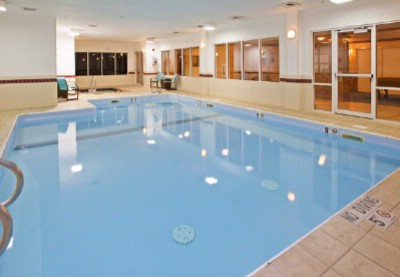 Our Pool And Whirlpool Are Ideal For Relaxing And Entertaining. We Offer Complimentary Towels And Provide Easy Access To Our On-Site Fitness Center. 15 of 19