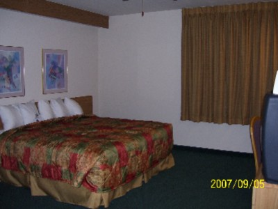 1 King Guest Room 3 of 12