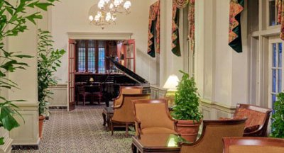 Classic Beauty & Style Lobby & Public Spaces 4 of 10