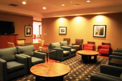 Lounge 15 of 24