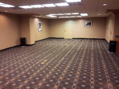 Manhattan Room Empty 20 of 24