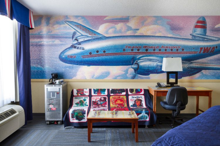 Twa -Themed Executive King Room 5 of 13