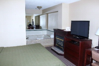 King Suite With Whirlpool And Fireplace 7 of 16