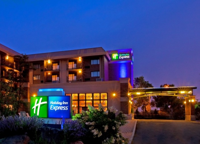 Holiday Inn Express Rolling Meadows 2 of 14