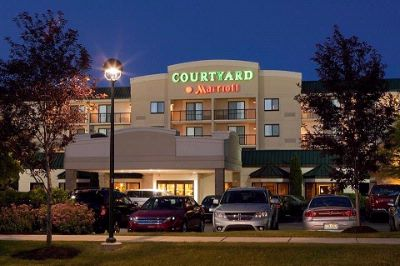 Courtyard by Marriott Cleveland Beachwood 1 of 13