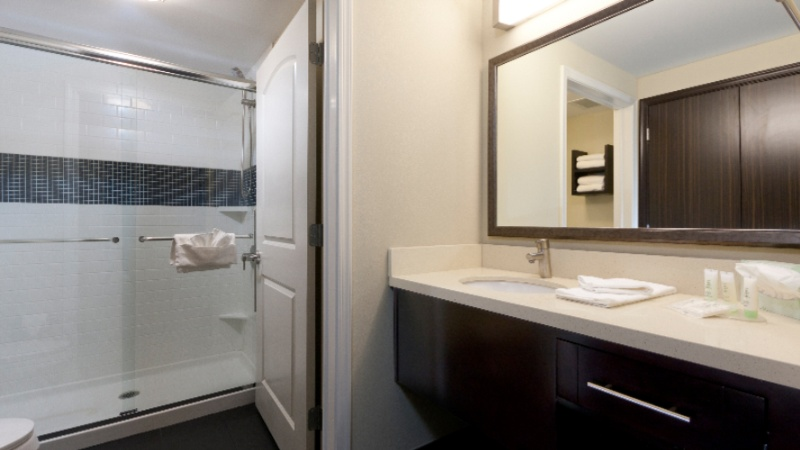 Bathroom 1 Bdrm King And Two Bedroom Suites 13 of 14