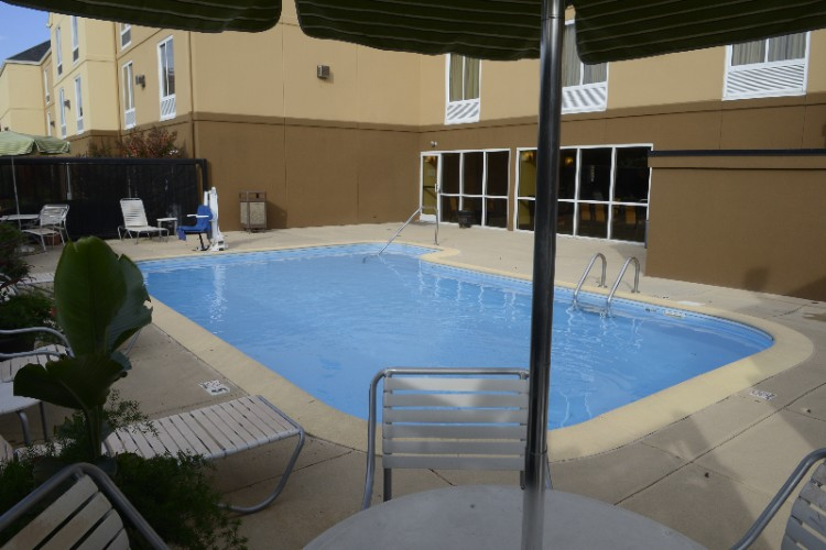 Outdoor Pool Area 9 of 10