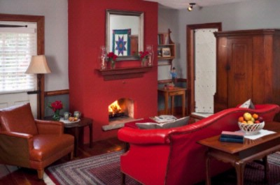 Crimson Dove Suite -Sitting Area And Fireplace 5 of 5