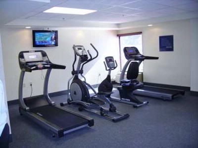 Fitness Center 4 of 9