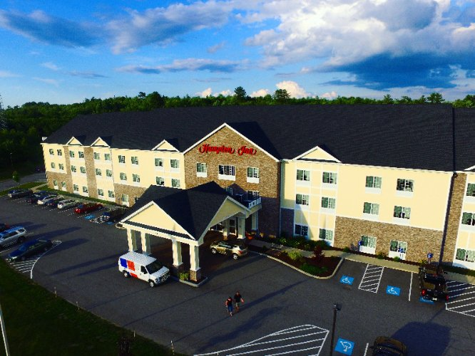 Hampton Inn Bangor 1 of 7