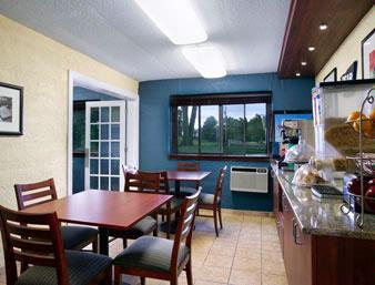 Breakfast Area 6 of 7