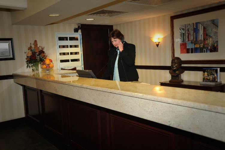Front Desk 10 of 16