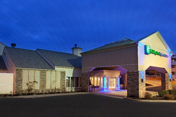 Holiday Inn Express Hotel Suites Pittsburgh Airp 5311 Campbells Run Rd Pa 15205