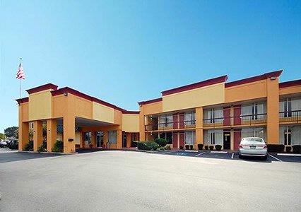 Econo Lodge Savannah South 1 of 8
