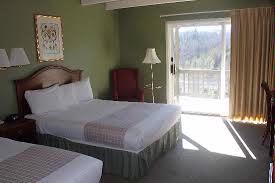 Guestrooms At The Inn Have 2 Queen Beds 3 of 4