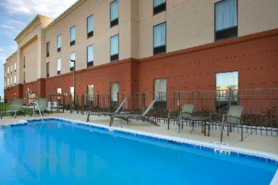 Hampton Inn Kimball Outdoor Pool 4 of 12