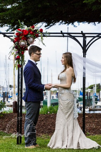 A Perfect Waterfront Location For Dream Weddings 16 of 18