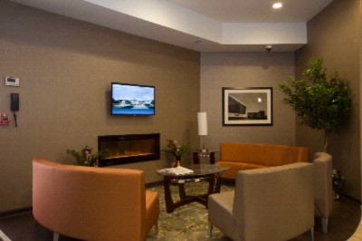 Come And Enjoy The Cozy Lobby Offering A Place To Socialize With Other Guests Or Members Of Your Party. 4 of 7