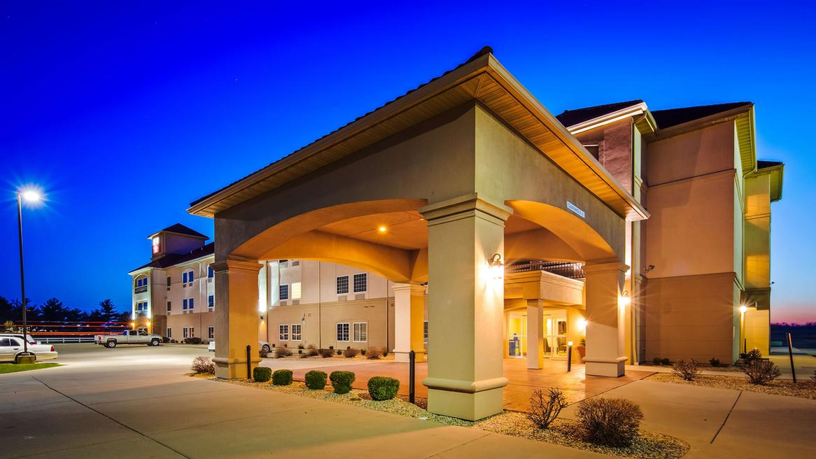 Best Western Plus Mascoutah / Safb 1 of 21