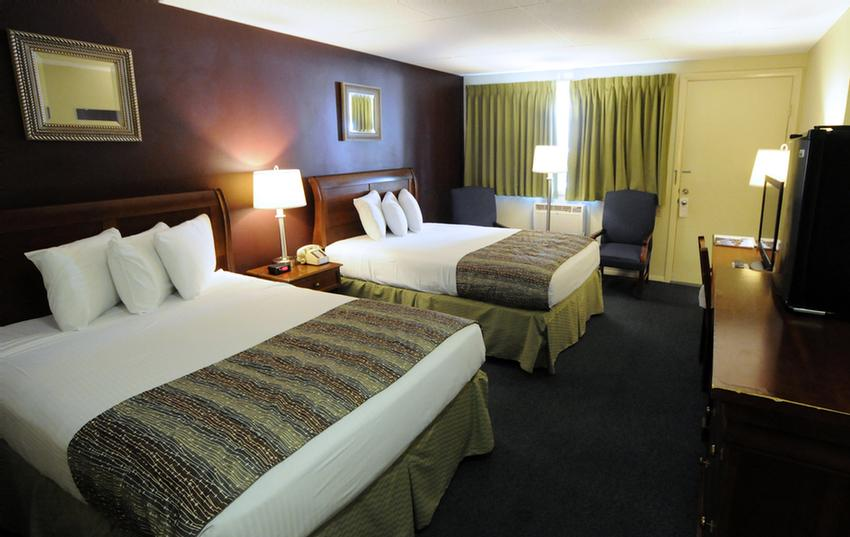 Economy Room With 2 Double Xl Beds 12 of 17