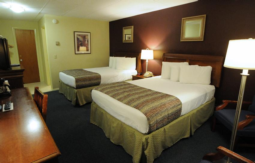 Economy Room With 2 Double Xl Beds 13 of 17