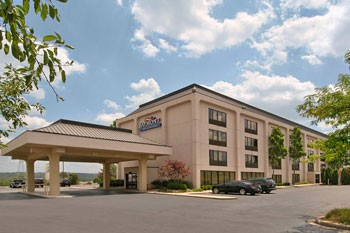 Baymont Inn & Suites Cincinnati 1 of 6