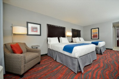 Double Rooms Feature Queen Size Beds 3 of 14