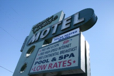 Town House Motel 1 of 7