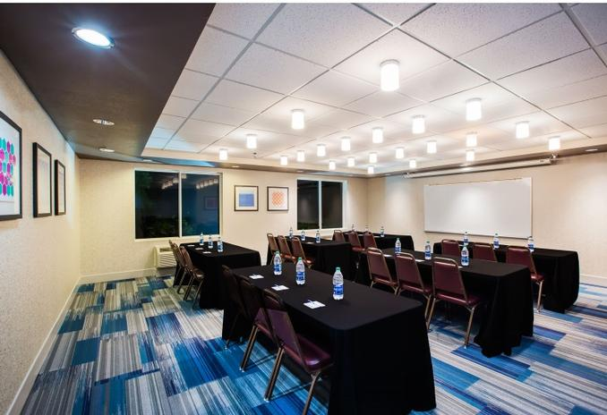 Whether You\'re Hosting A Corporate Meeting Or Social Event Look No Further Than The Holiday Inn Express & Suites Bellevue! 13 of 13