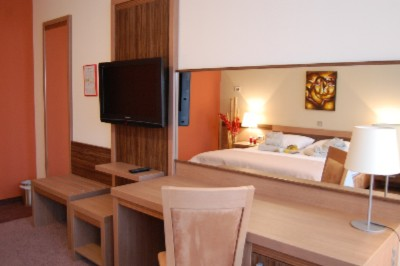 Double Room 4 of 14