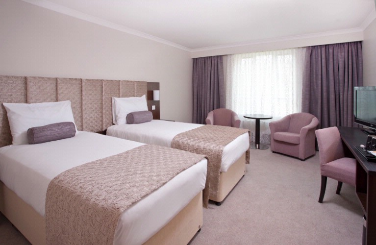 Standard Twin Room -2 Single Beds 7 of 31