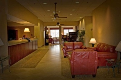 Lobby With Business Center 3 of 7