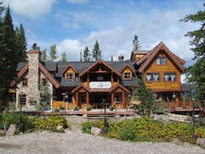 Winston Lodge & Spa / Kicking Horse Saloon 2 of 15