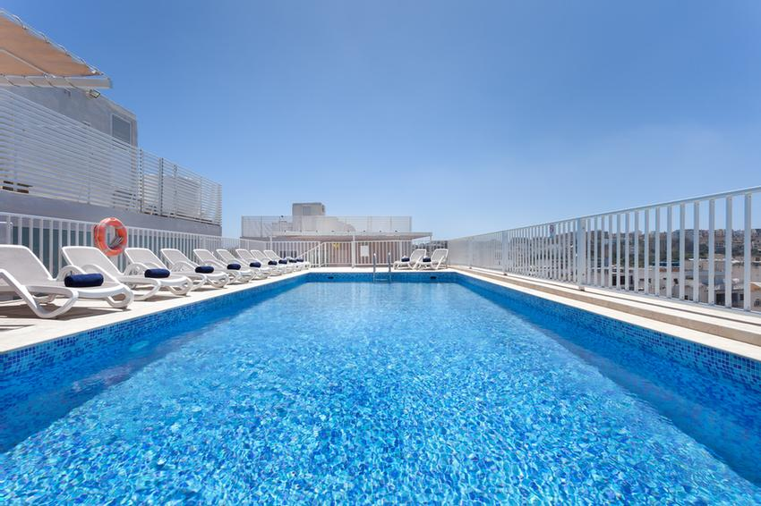 Roof Top Pool 6 of 13