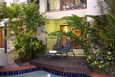 Superior Studios & Apartments Have Their Own Pool Deck Or Jacuzzi 6 of 7