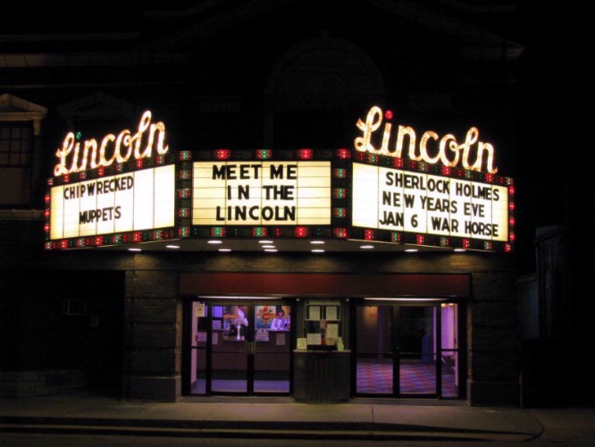 The Lincoln Theater 4 Is Located Just 4 Miles From The Hotel 18 of 19