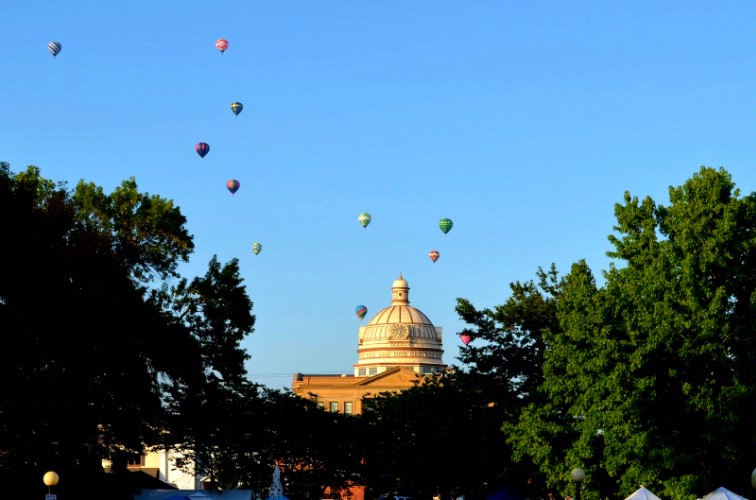 Be Sure To Take In The Annual Lincoln Art & Balloon Festival Held Every August 16 of 19