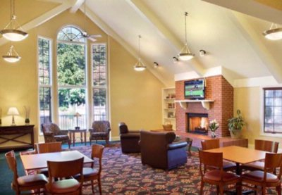 Gatehouse Common Room 8 of 12