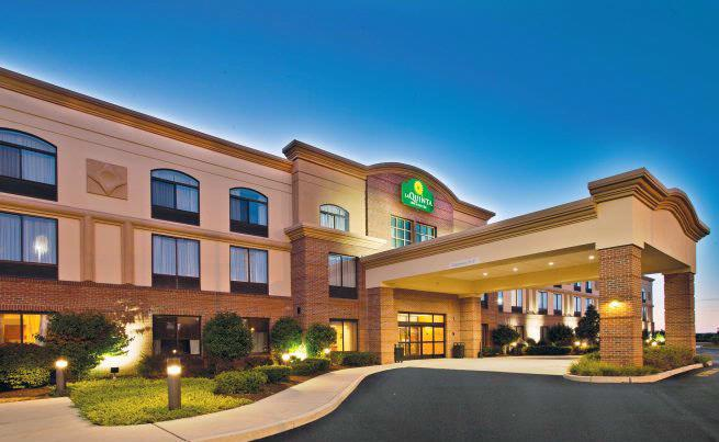 La Quinta Inn & Suites Coventry / Providence 1 of 22