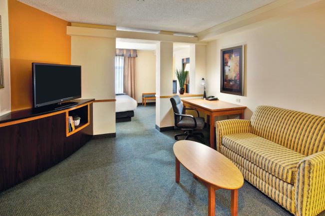 Executive King Suite 17 of 22